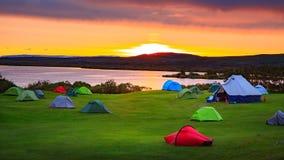 Zmierzch w Myvatn campingu na Iceland obraz stock