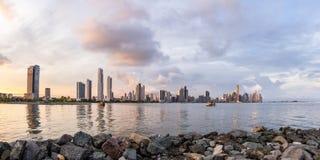 Zmierzch w Panamskim mieście, Panama Zdjęcia Stock