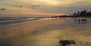 Zmierzch w plaży zdjęcia stock