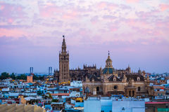 Zmierzch w Seville, widok od Metropol Parasol przy starym Cathedr Obraz Stock