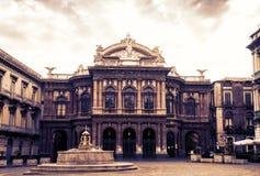 Zmierzch w Sicily, Teatro Massimo Bellini, sławny punkt zwrotny Catania fotografia royalty free