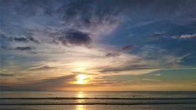 Zmierzch w Tajlandia, chmury w niebie, Phuket obrazy royalty free