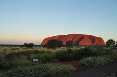 Zmierzch w Uluru ayers kołysa, czerwień centrum Australia zdjęcie royalty free