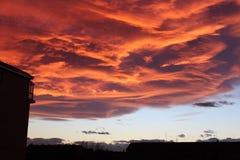 Zmierzch z Ognistymi chmurami Zdjęcie Stock