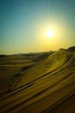 Zmierzch z piasek diunami w pustyni Fotografia Royalty Free