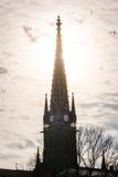 Zmierzch Za Zegarowy wierza iglicy sylwetki architektury punktu Cl Zdjęcie Royalty Free