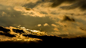 Zmierzch, zmierzchu nieba zima, słońce chmurnieje Obraz Stock