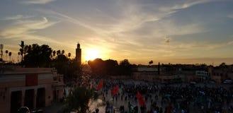 Zmierzch znacząco meczetem w Maroko obraz stock