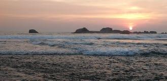 Zmierzchu Hikkaduwa plaża, Sri Lanka zdjęcie royalty free