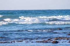 Zmierzchu i plaży Pusty tropikalny plażowy tło Horyzont z s fotografia royalty free