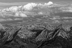 Zmierzchu Lechquellengebirge góry od Furkajoch, Austria obrazy stock