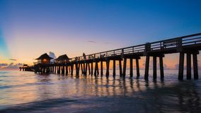 Zmierzchu Naples molo, Floryda usa zdjęcia stock