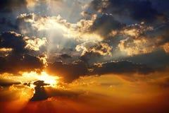 Zmierzchu nieba światła słonecznego pogodny piękny kolorowy tło Obraz Royalty Free