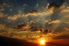 Zmierzchu nieba światła słonecznego sezonu tła chmury nieba pogodnego pięknego kolorowego pięknego zmierzchu plenerowy tło Zdjęcia Stock