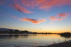 Zmierzchu nieba słońca cloudscape wody krajobrazowy morze Fotografia Stock