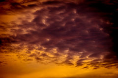 Zmierzchu niebo dramatyczny zdjęcie royalty free