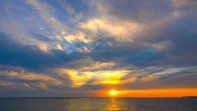 Zmierzchu niebo Nad jeziorem zbiory