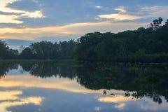 Zmierzchu odbicie, Sierpe, Costa Rica obraz royalty free