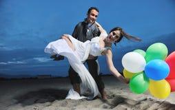zmierzchu plażowy romantyczny ślub zdjęcia royalty free