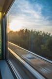 Zmierzchu pociągu scena Widzieć okno Obrazy Stock