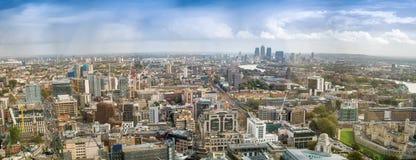 Zmierzchu powietrzny panoramiczny widok Londyńska linia horyzontu, wschodnia strona Zdjęcie Stock