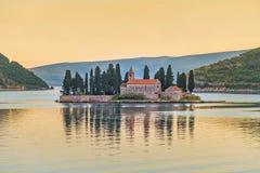 Zmierzchu StGeorge wyspa blisko Perast w Kotor zatoce, Montenegro Zdjęcia Royalty Free
