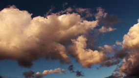Zmierzchu Timelapse epopei chmury zbiory