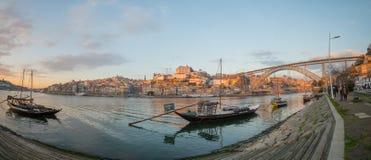 Zmierzchu widok Douro rzeka w Porto, Fotografia Royalty Free
