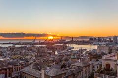Zmierzchu widok miasto genua, Italy/genuy landscape/genuy Skyline/miasta landscape/widoku light/miasta aereal light/orange/s Zdjęcia Stock