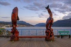 Zmierzchu widok nabrzeża marina w Portowym Alberni, Vancouver wyspa fotografia stock