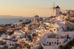 Zmierzchu widok Oia miasteczko na Santorini w Grecja Obraz Royalty Free