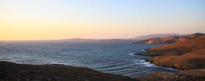 Zmierzchu widok w linii brzegowej Astypalaia wyspa zdjęcie stock
