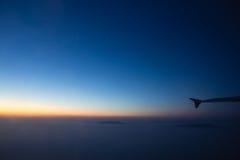 Zmierzchu widok w samolocie Zdjęcia Stock