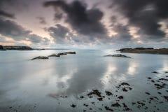 Zmierzchy w morzu plaże i wybrzeża Galicia i Asturias obraz stock