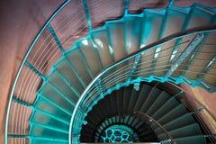 Zmniejszający się ruszać się po spirali schody Zdjęcia Royalty Free