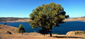 Zmrok - błękitne wody w Windamerre jeziorze Fotografia Stock