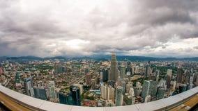 Zmrok chmurnieje nad linią horyzontu Kuala Lumpur Zdjęcia Stock