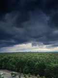 Zmrok Chmurnieje z linią horyzontu Zdjęcie Royalty Free