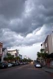 Zmroku ulewny deszcz i chmury Zdjęcia Stock