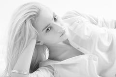 Zmysłowa blond dziewczyna zdjęcie stock