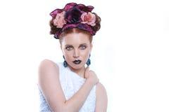 Zmysłowa Piękna kobieta na Białym tle Zdjęcia Royalty Free