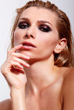 Zmysłowe kobiety z fachowym makeup i mokrym włosy obrazy royalty free