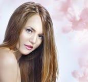 Zmysłowy kobieta model z prosto tęsk blondyn Zdjęcia Royalty Free