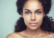 Zmysłowa Afrykańska kobieta Zdjęcia Royalty Free