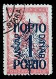 Znaczek drukujący w Jugosławia pokazuje mężczyzna przerwy obwód, symbol wolność obraz royalty free