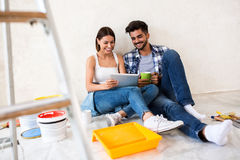 Znajdować najlepszy rozwiązanie dla dekoracja domu Obrazy Royalty Free