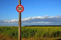 znak 50 ruchu Zdjęcia Royalty Free