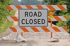 znak drogowy blisko Zdjęcia Royalty Free