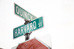 Znak Harvard i Quincy ulica Obrazy Royalty Free
