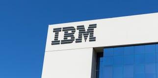 Znak IBM na budynku biurowym w Dubaj Obrazy Royalty Free